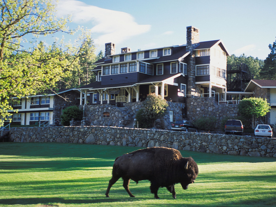 7 State Game Lodge